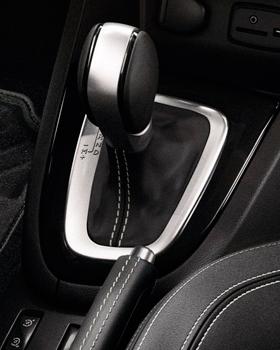 Renault_Clio2_ohjaamo_EDC