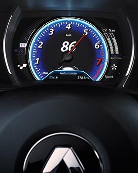 Renault_Megane_ohjaamo_TFT_mittaristo