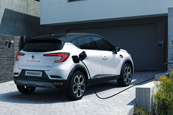 CAPTUR E-TECH Plug-in, lataaminen