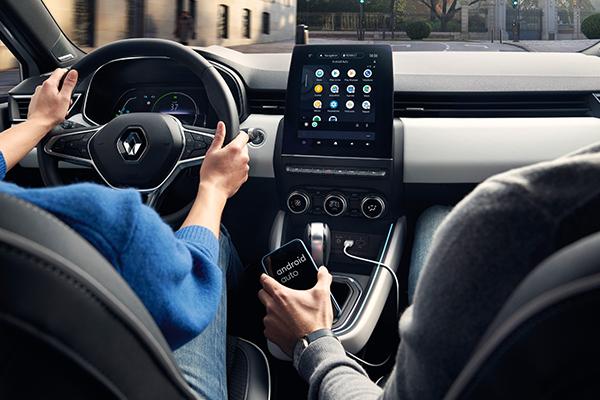 Renault Clio hybrid, multimediajärjestelmät
